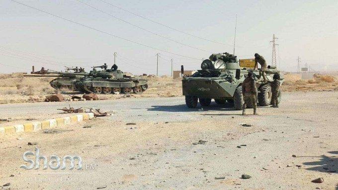 الجيش العربي السوري يتسلم دفعة من دبابات T-62M ومركبات مشاة قتالية BMP-1 - صفحة 2 C3-yQKAWMAEqEFA