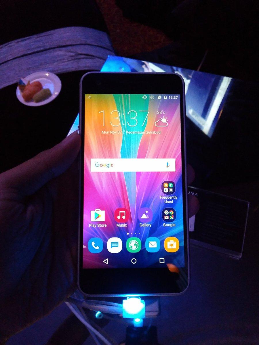 smartphone LUNA - depan