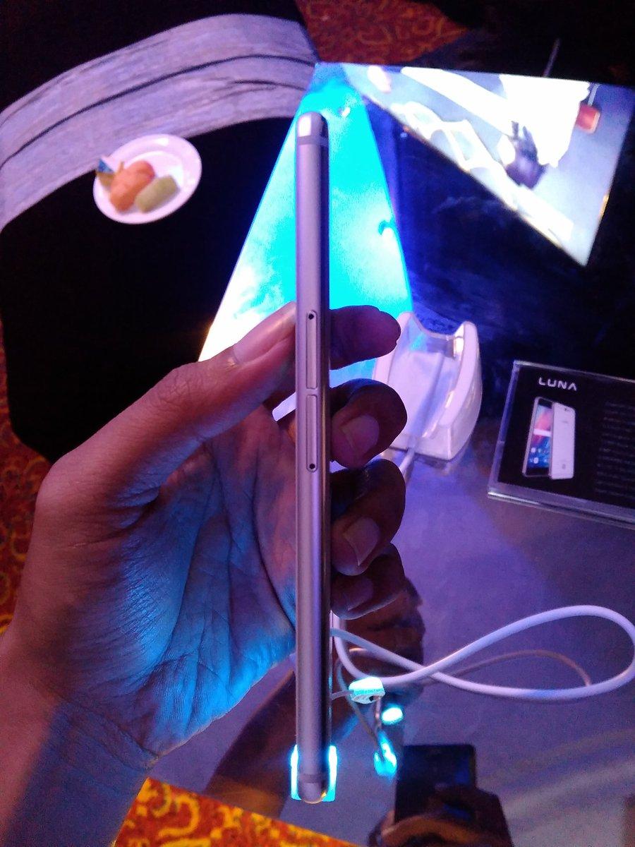 Smartphone LUNA - samping