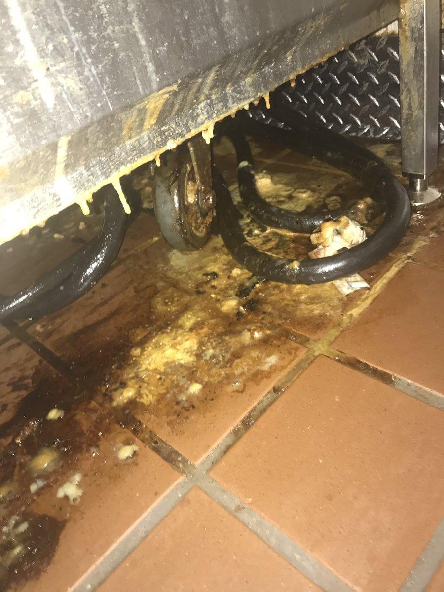 Mengaku Karyawan McDonalds, Pria ini Bocorkan Foto Dalaman Mesin Es Krim, Bikin Syok!